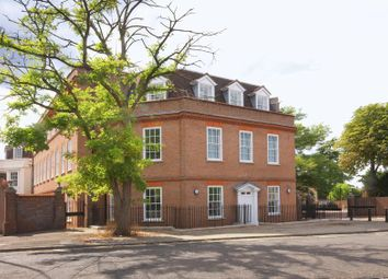 2 bed flat for sale in Church Close, Church Street, Epsom KT17