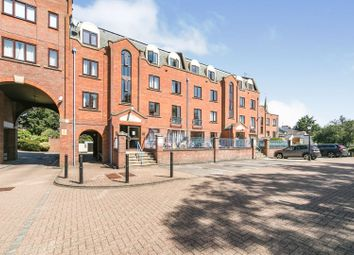 Thumbnail 2 bed flat for sale in Sidmouth Street, Reading