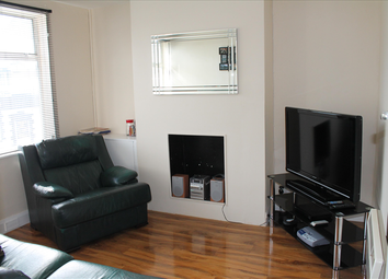 Thumbnail 2 bed flat to rent in Billet Lane, Hornchurch, Essex United Kingdom