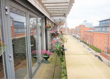 Thumbnail 2 bed flat for sale in 6 Kingston Square, Hull