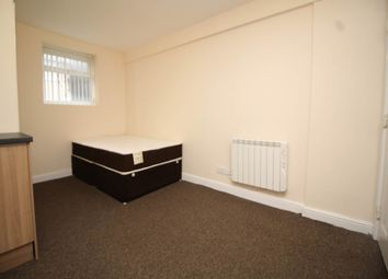 Thumbnail Room to rent in Railway House, Balm Road, Leeds