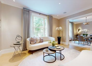 Gledhow Gardens, Earl's Court, London SW5. 4 bed flat