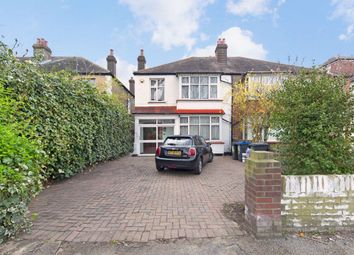 4 bed property to rent in Dorset Road, London SW19