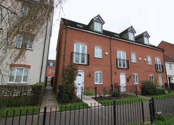 Thumbnail Semi-detached house to rent in Waterfields, Retford