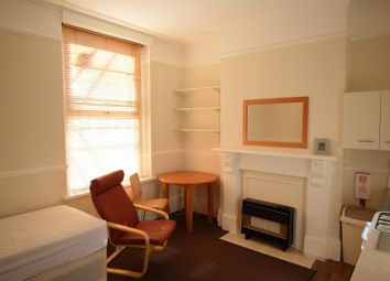 Thumbnail 1 bedroom flat to rent in Pencisely Road, Cardiff
