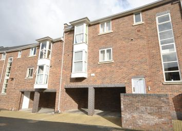Thumbnail 2 bed flat to rent in Waters Edge, Chester