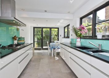 Thumbnail 4 bed flat to rent in Grenfell Road, London