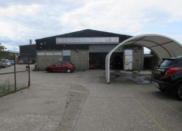 Thumbnail Warehouse to let in 11 Wintersells Road, Byfleet, Surrey