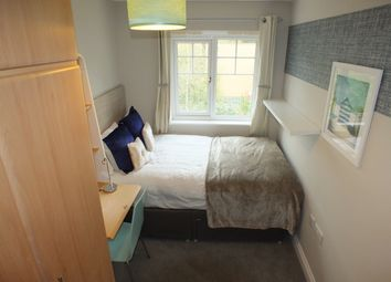 Thumbnail Room to rent in Pascal Crescent, Shinfield, Reading