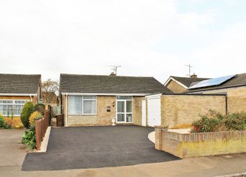 Thumbnail 3 bed detached bungalow to rent in Walton Avenue, Twyford, Banbury