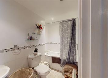 2 bed flat for sale in London Road, Newcastle-Under-Lyme ST5