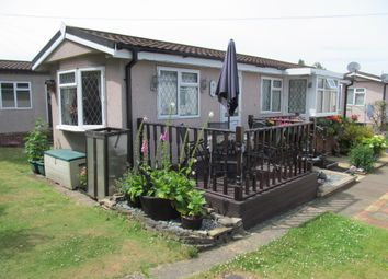 Thumbnail 1 bed mobile/park home for sale in Fowley Mead Park (Ref 5938), Longcroft Drive, Waltham Cross, Hertfordshire