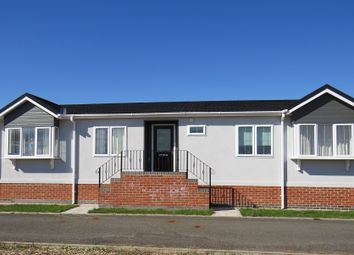 Thumbnail 2 bed mobile/park home for sale in Honeybourne Road, Bidford-On-Avon, Alcester