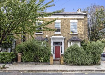 2 bed flat for sale in Forest Road, London E8
