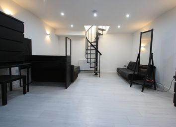 Thumbnail 1 bed flat to rent in Lower Addiscombe Rd, Croydon