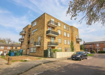 Thumbnail 2 bed flat for sale in Hollyfield, Harlow