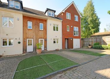 Thumbnail 3 bedroom town house to rent in Brook Avenue, Ascot