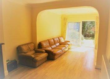 Thumbnail 3 bed bungalow to rent in Mandeville Road, Northolt