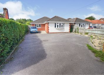 Hunts Pond Road, Southampton SO31. 3 bed detached bungalow