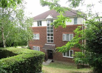 Thumbnail 1 bed flat to rent in Overcliff Road, Grays