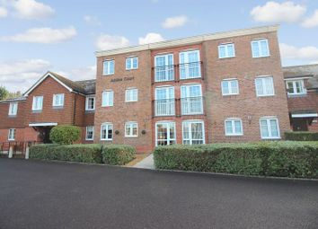 Thumbnail 1 bed flat for sale in Jubilee Court (Billingshurst), Billingshurst