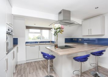 Thumbnail 2 bed flat to rent in Holmesdale Road, London