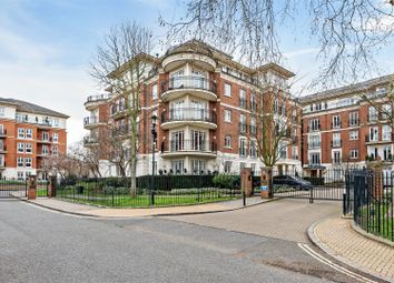 Thumbnail 3 bedroom flat for sale in Clevedon Road, Twickenham