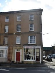 2 bed flat to rent in Radford Road, Leamington Spa CV31