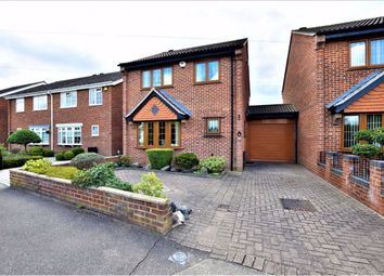 3 bed detached house for sale in Albert Close, North Grays, Essex RM16