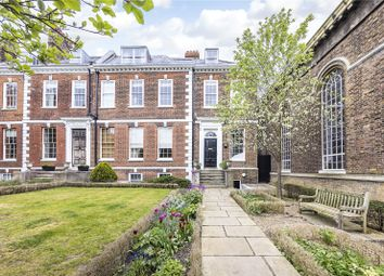 Spencer House, 23 Dartmouth Row, London SE10. 2 bed flat for sale