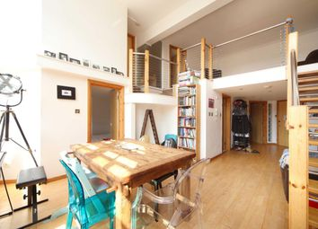 3 bed maisonette to rent in Royal Gate Apartments, Rutland Road E9