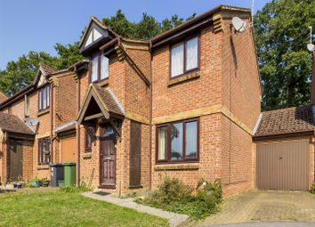 Long Copse Chase, Chineham, Basingstoke RG24. 3 bed link-detached house
