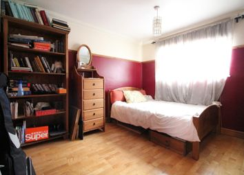 Room to rent in Hornbeam Road, Yeading, Hayes UB4