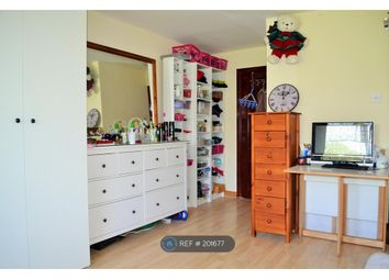 Thumbnail Room to rent in Octavia Close, London