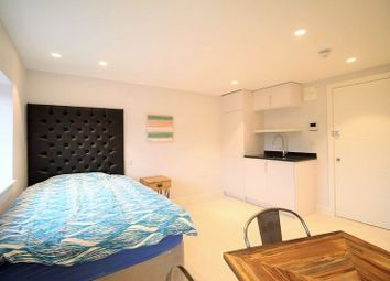 Thumbnail Studio to rent in Horsefair, Banbury, Oxon