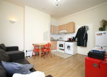 Thumbnail 3 bed flat to rent in City Road, Old Street, London