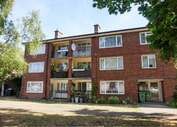Thumbnail 2 bedroom flat for sale in Park Street, St. Albans