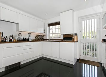 Thumbnail 2 bedroom mews house to rent in Stepney Green, Stepney Green, London, Greater London