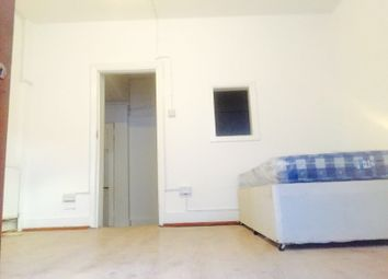 Thumbnail 1 bed flat to rent in Leabridge Road, London