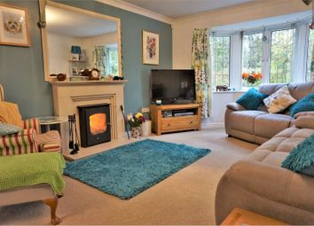 3 bed detached bungalow for sale in Bugloss Walk, Bicester OX26