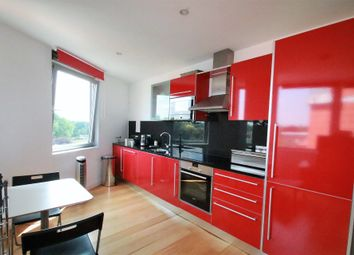 Thumbnail 1 bed flat to rent in Altyre Road, East Croydon, Surrey