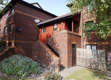 Thumbnail 1 bedroom flat to rent in Pebble Drive, Didcot