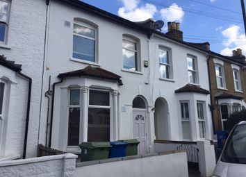 Thumbnail 1 bed flat to rent in Hollydale Road, Peckham