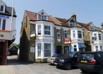Thumbnail Commercial property to let in Green Lanes, Palmers Green, London