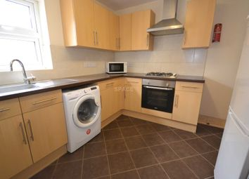 Thumbnail 1 bed flat to rent in Stanley Grove, Reading, Berkshire