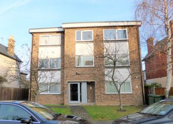 Thumbnail 1 bed flat to rent in Montague Road, Wimbledon