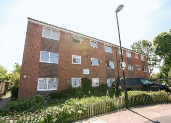 Thumbnail 1 bedroom flat to rent in Queens Avenue, London