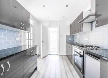 4 bed property to rent in Geere Road, Stratford, London E15
