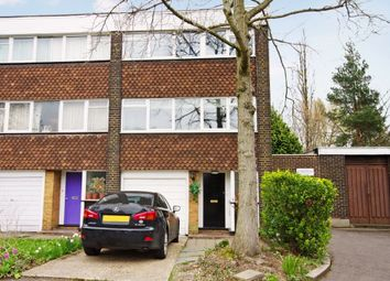 Thumbnail 4 bed detached house to rent in Heronsforde, London