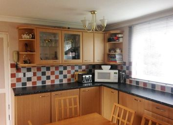 Thumbnail 1 bed flat to rent in Sunderland Road, Maidenhead